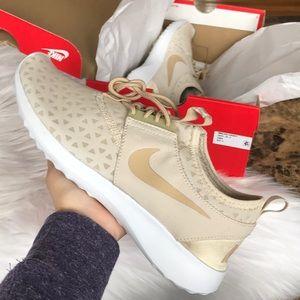 Nike Juvenate Oatmeal Sneakers
